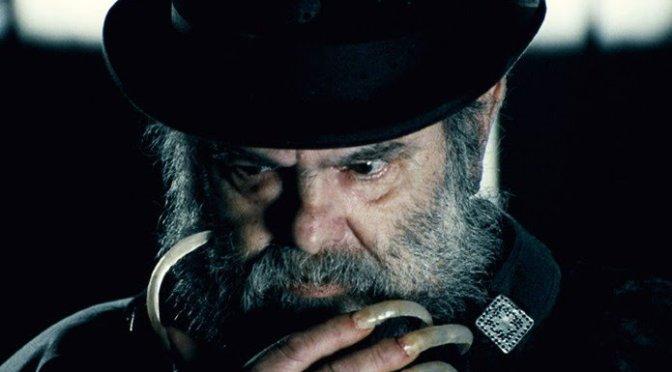 Zé do Caixão, o primeiro diretor de terror do Brasil, morre aos 83 anos