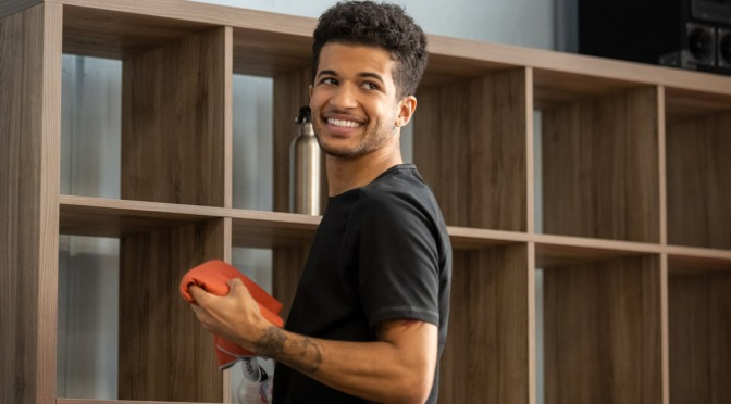 The Flash escala Jordan Fisher como Bart Allen na série