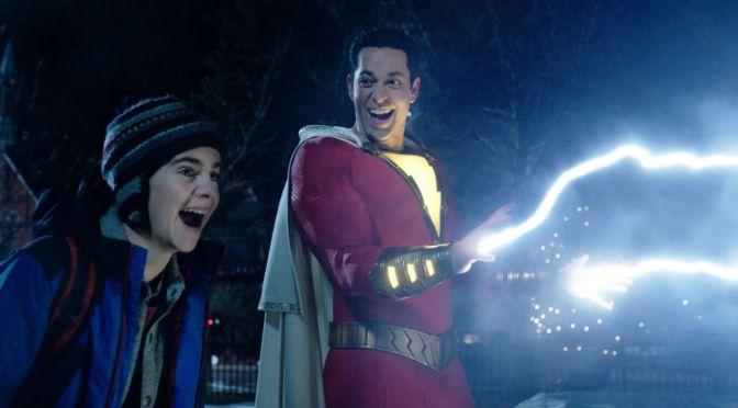 Shazam 2 | Foto dos bastidores revela logo do filme