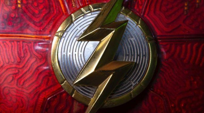 The Flash | Andy Muschietti revela símbolo do herói em seu traje