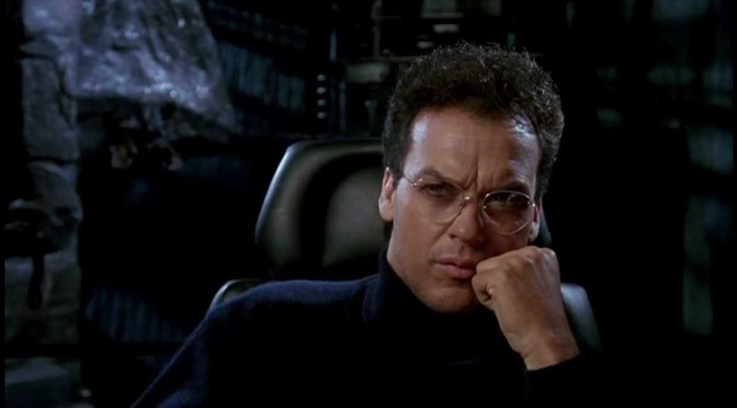 The Flash | Michael Keaton aparece como Bruce Wayne no set